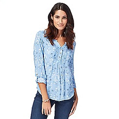 Mantaray - Light blue floral print notch neck top