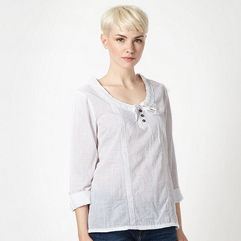 Mantaray - White woven pintucked top