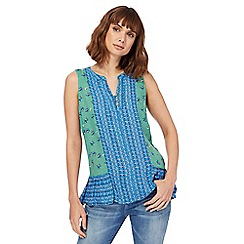 Mantaray - Light green origami boat print top