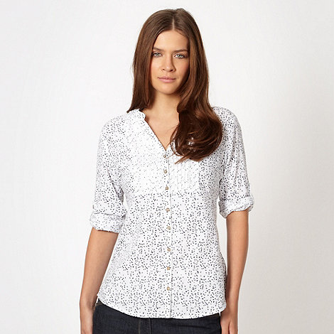 Mantaray - White leaf patterned roll sleeve shirt