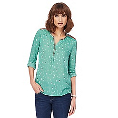 Mantaray - Green embroidered notch neck top