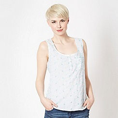 Mantaray - White embroidered button neck vest