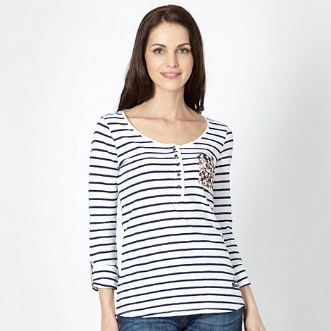 Mantaray - White striped floral pocket top