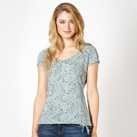 Mantaray - Pale green deer pattern top