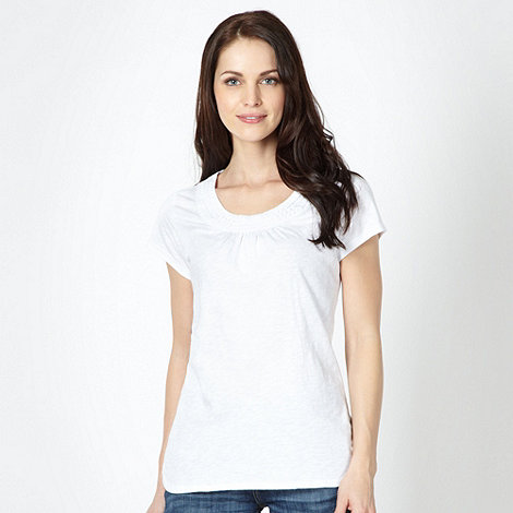 Mantaray - White applique short sleeved top