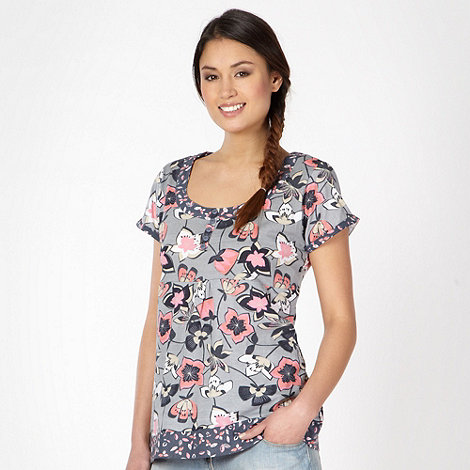 Mantaray - Pale blue flower scoop neck t-shirt