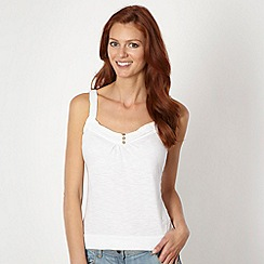 Mantaray - White crochet trim camisole
