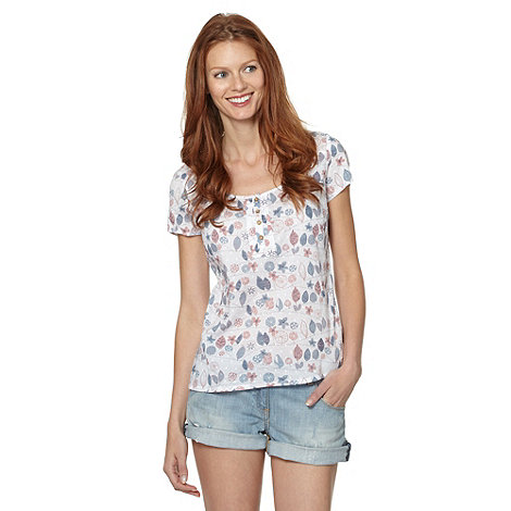 Mantaray - White embroidered leaf print top