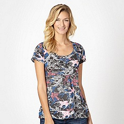 Mantaray - Grey floral swallow print t-shirt