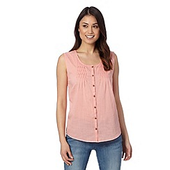 Mantaray - Pale pink plain pleat button vest