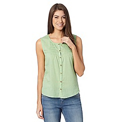 Mantaray - Pale green button vest