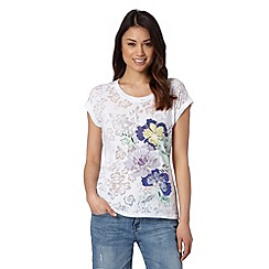 Mantaray - White short sleeved burnout floral top