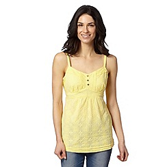 Mantaray - Yellow floral lace cami top