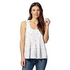 Mantaray - White bead embellished swing top
