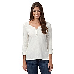 Mantaray - Off white three quarter length sleeved cutout yoke top