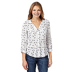 Mantaray - White textured bird print peplum shirt
