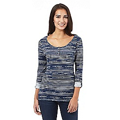 Mantaray - Navy uneven striped top