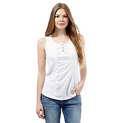 Mantaray - White broidery sleeveless top