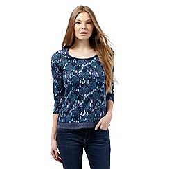 Mantaray - Navy pear and tree print top