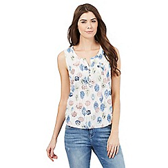 Mantaray - White leaf print buttoned sleeveless top