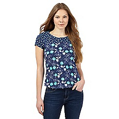 Mantaray - Navy garlic flower top