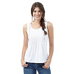 Mantaray - White cutout pleated vest top