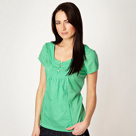 Mantaray - Pale green spot textured top