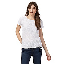 Mantaray - White feather embroidered top