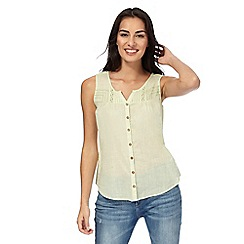 Mantaray - Lime sleeveless buttoned scoop top