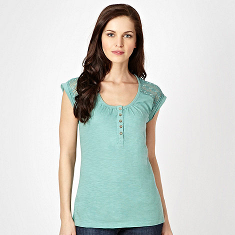 Mantaray - Green embroidered mesh short sleeved top