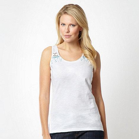 Mantaray - White french knot vest
