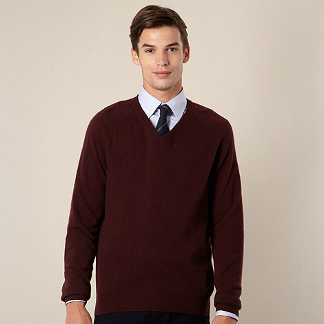 Hammond & Co. by Patrick Grant - Designer maroon lambswool blend v neck jumper