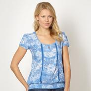 Blue floral woven scoop top