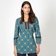 Dark green tiled floral lace tunic