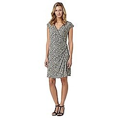 Principles by Ben de Lisi - Designer black zig zag jersey dress