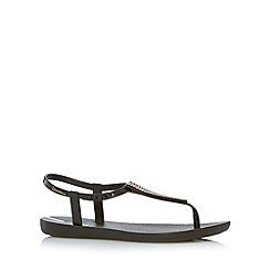 Ipanema - Black chevron detail flip flops