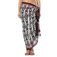 Gorgeous DD+ - Black Aztec sarong