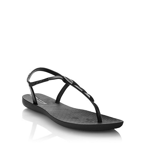 Ipanema - Black pyramid charmed sandals