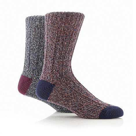 Mantaray - Pack of two wine and navy chunky twisted yarn knit boot socks
