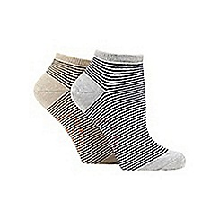 Mantaray - Pack of two grey striped trainer socks