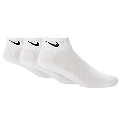 Nike - Pack of three white ribbed trainer socks