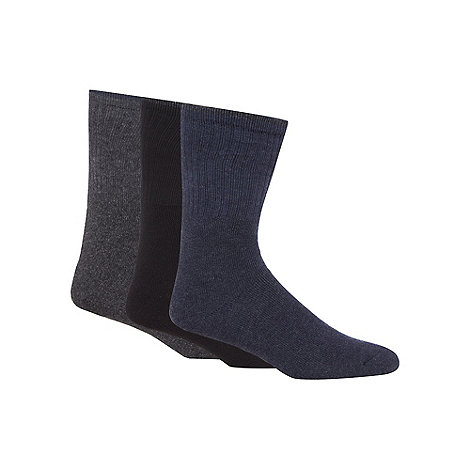 Mantaray - Pack of three navy dark grey and blue ribbed boot socks