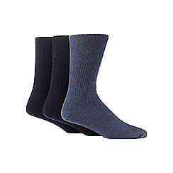Maine New England - Pack of three navy and blue ribbed socks with lambswool
