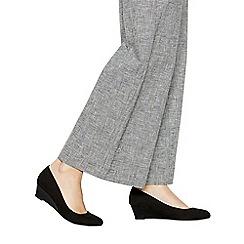 Good for the Sole - Black suedette 'Gretchen' mid wide fit court shoes