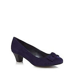 Good for the Sole - Navy suedette 'Glow' mid block heel wide fit court shoes