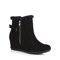 Good for the Sole - Black suedette 'Gill' mid heel wide fit ankle boots