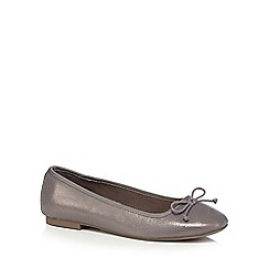 The Collection - Metallic 'Callet' wide fit pumps