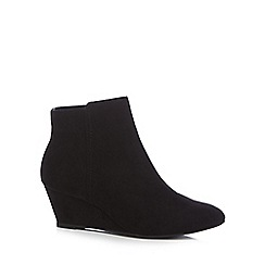 The Collection - Black suedette 'Celby' mid wedge heel ankle boots
