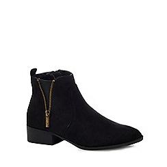Mantaray - Black suedette 'Mullet' mid block heel ankle boots