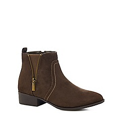 Mantaray - Khaki suedette 'Mullet' mid block heel ankle boots